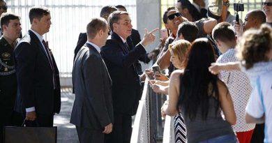 """""""Sem as obras dos governos militares, o Brasil não seria nada"""", diz Bolsonaro (veja o vídeo)"""